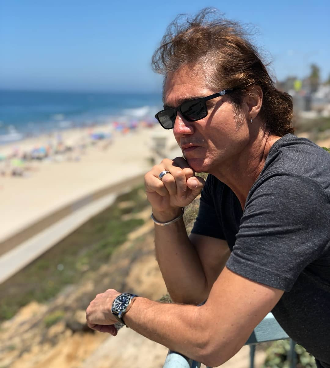 Rob E. Angelino at the beach